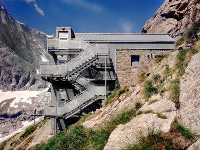 Pubblicazione su Rifugi e Bivacchi. Gli imperdibili delle Alpi - HOEPLI